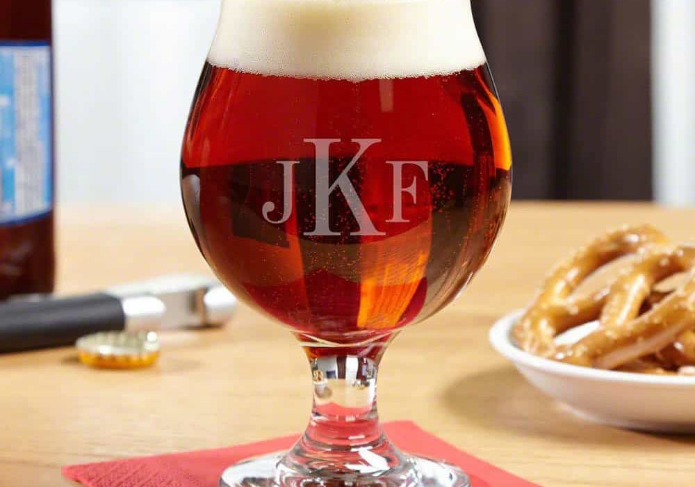 17 Best IPA Glasses to Give You the Best Taste of IPA Beer